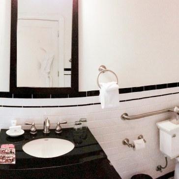 oxford hotel bathroom