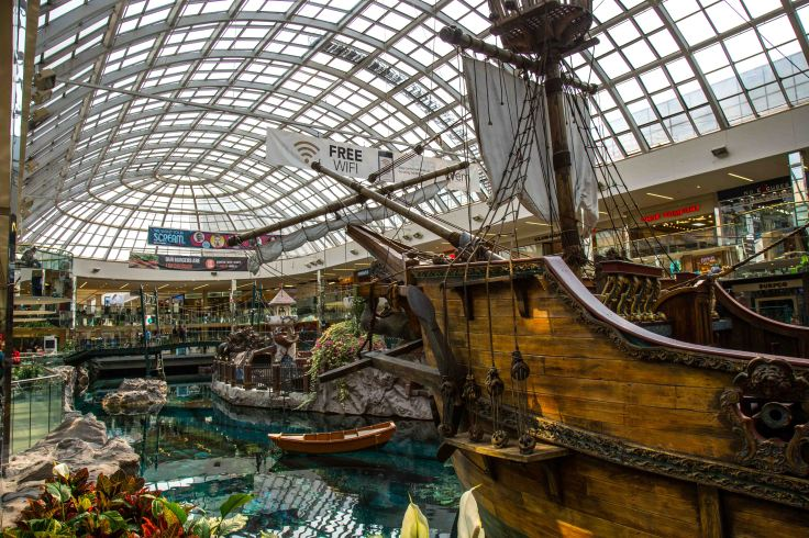 Edmonton the mall10