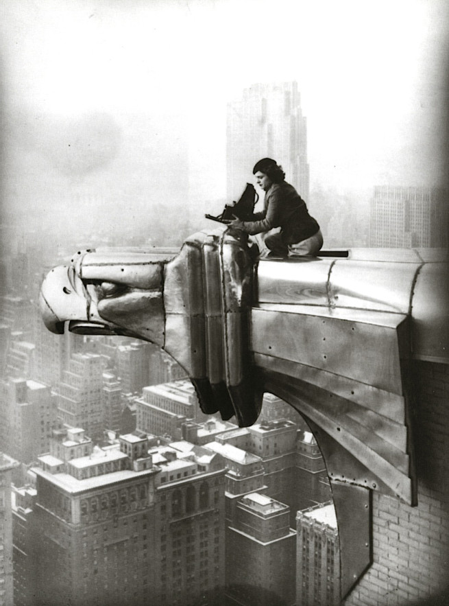 margaret-bourke-white-atop-chrysler-building-gargoyle-1934-2