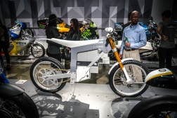 peterson_electric_revolution_motorcycle_-11