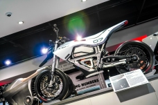peterson_electric_revolution_motorcycle_-6